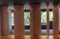 アシュタンガヨガスタジオの壁